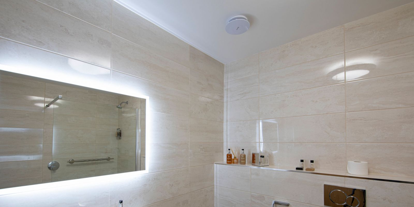 Bridal_Suite_Bathroom1